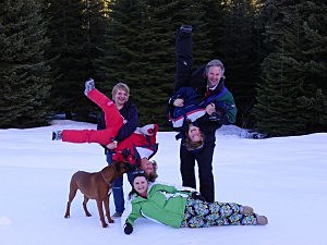 family snow pic