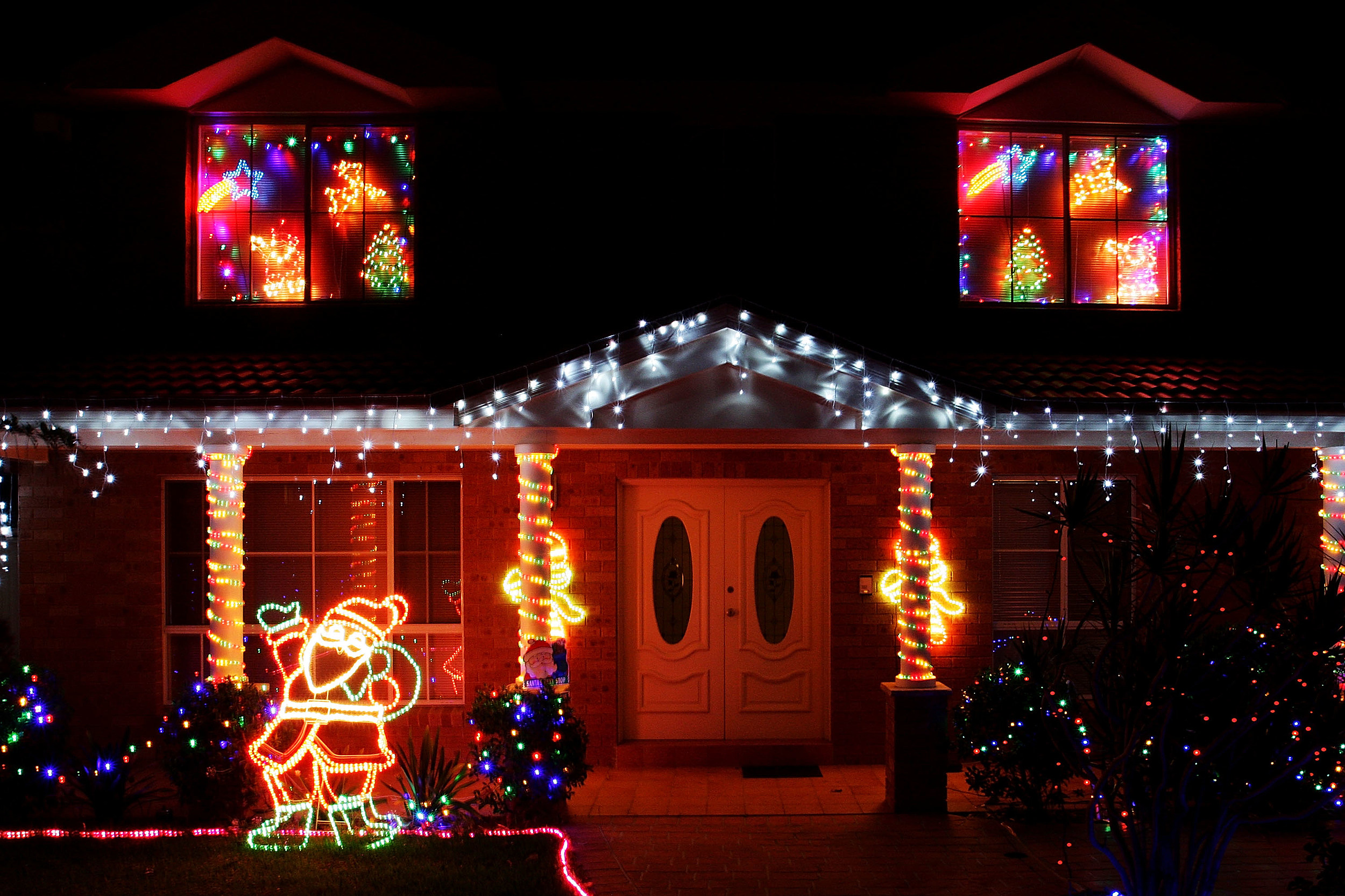 Check Out These Awesome Christmas Lights Displays In Tri Cities [VIDEO]